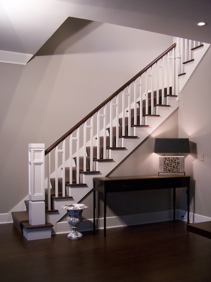 Цельнодеревянная лестница